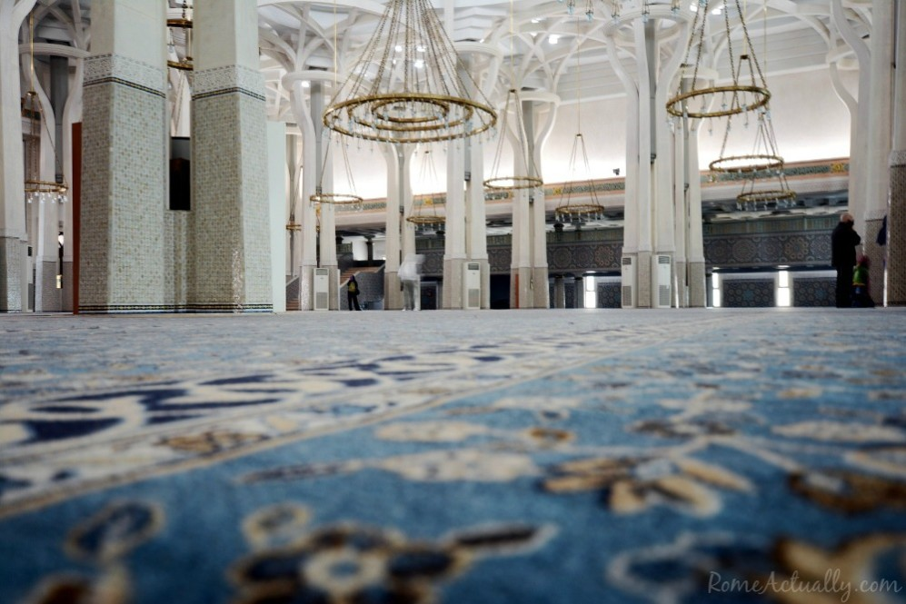 Inside Rome's mosque