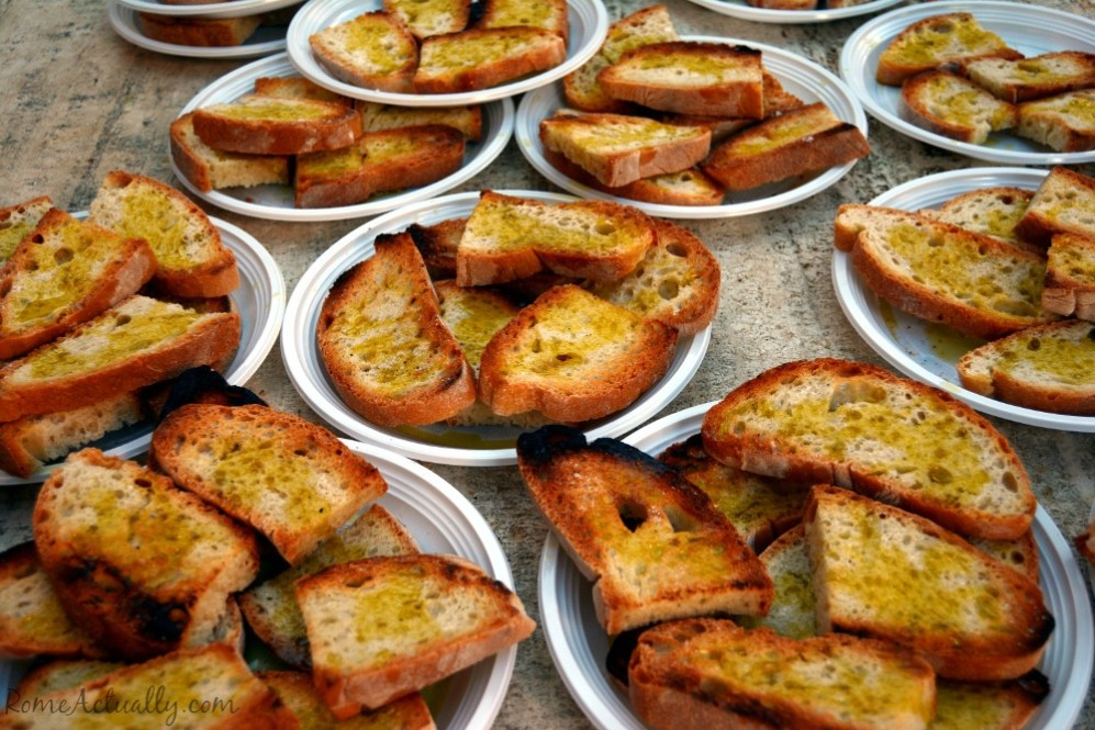 Bruschette were being made in Cerveteri for the neighborhood gathering