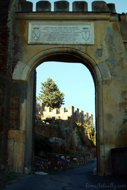 The gate to medieval Borgo di Ceri