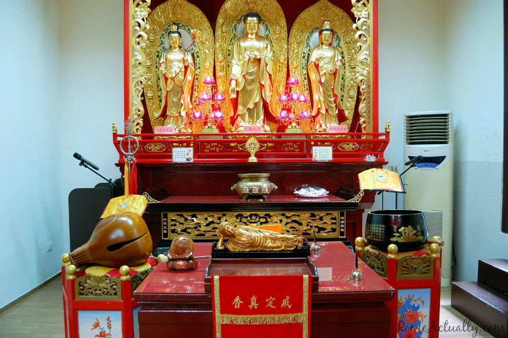 Inside Chinese Buddhist temple in via Leopardi